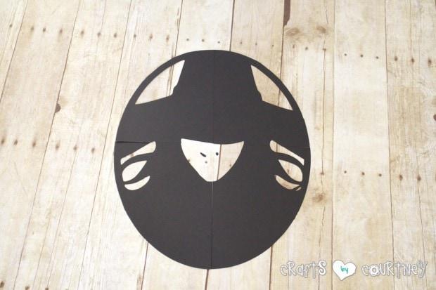 Halloween Craft: Wicked Ikea Frame: Cut Nose
