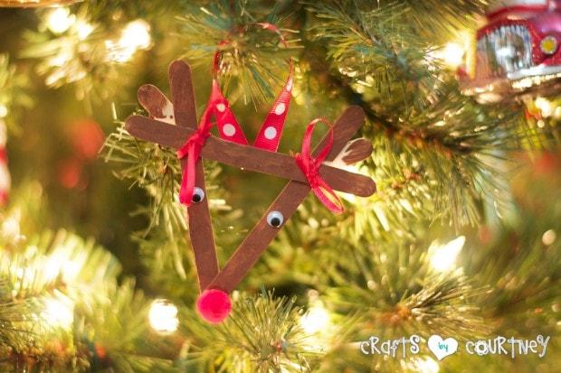 Christmas Home Decor Inspiration: Popsicle Stick Reindeer Craft