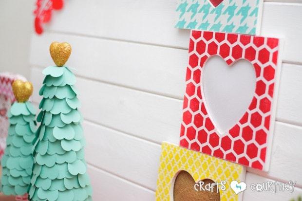 Stenciled Valentine Heart Frames: Valentine Home Decor Crafts