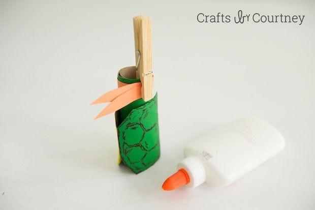 TMNT toilet paper roll finger puppet step 5