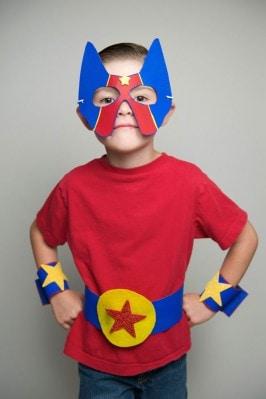 Easy DIY no-sew superhero costume craft