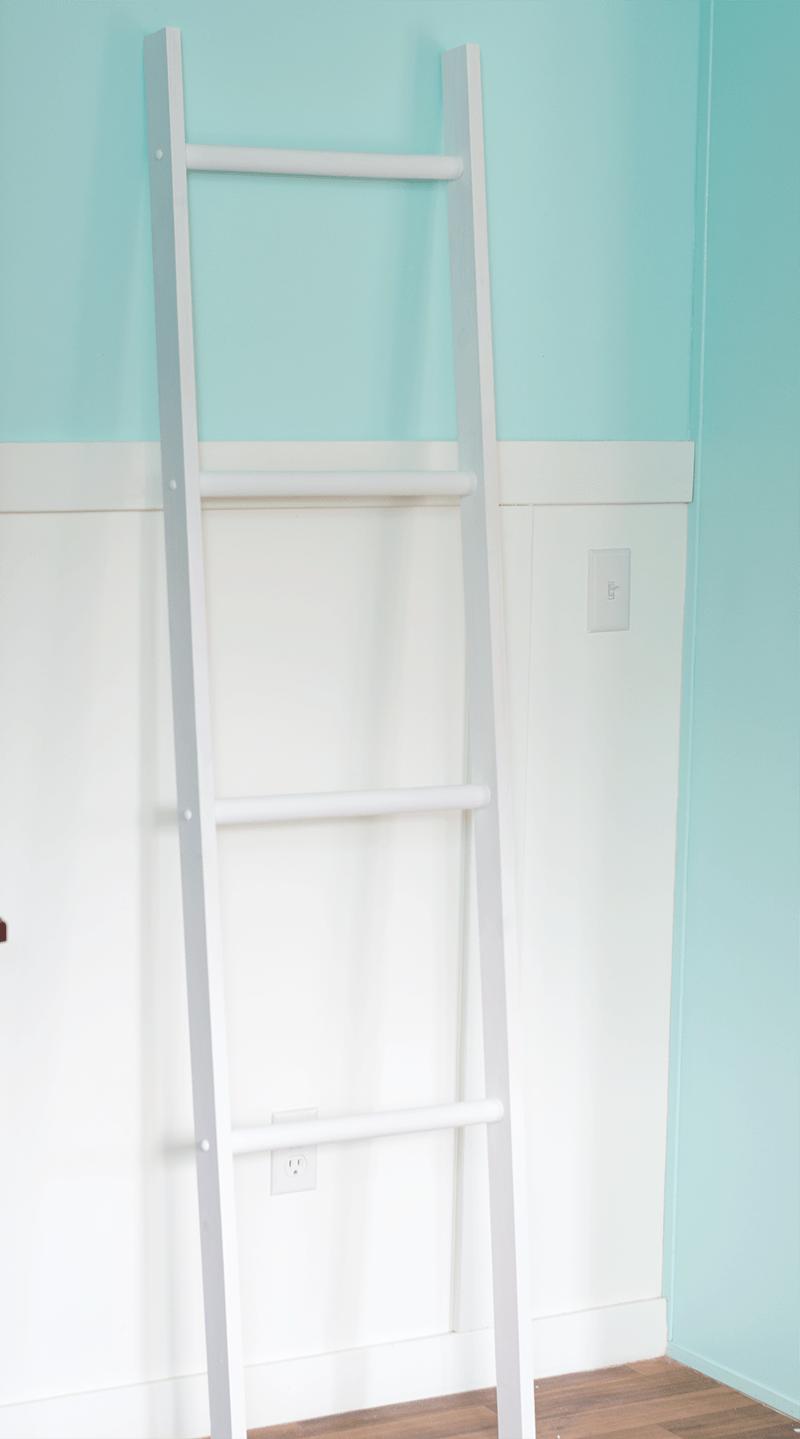 Farmhouse DIY Blanket Ladder Tutorial