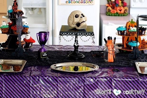Halloween Pumpkin Decorating Party: Spooky Treats Table