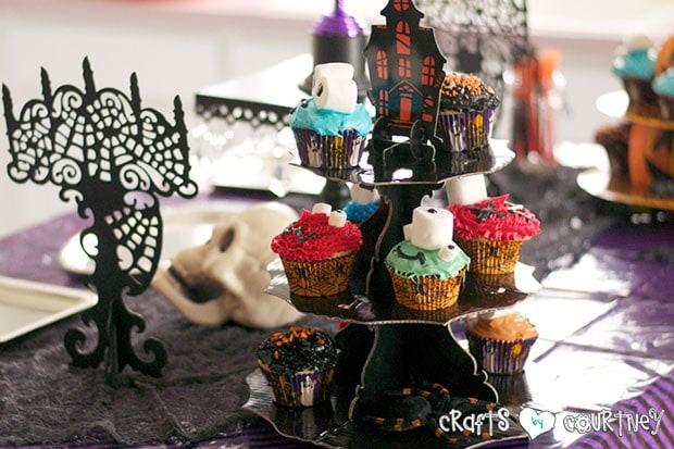 Halloween Pumpkin Decorating Party: Spooky Treats Table: Cupcake Display