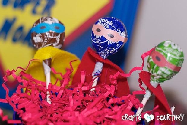Superhero Birthday Party: Superhero Display Table: Superhero Tootsie Pops