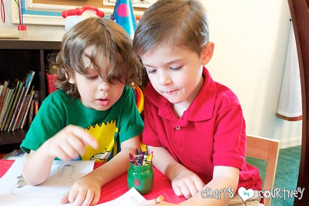 Brown Bear Birthday Party: Craft Table