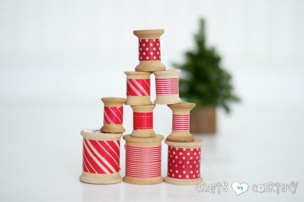 Christmas Craft: Christmas Decor: Christmas Inspired Washi Tape Craft Thread Spools