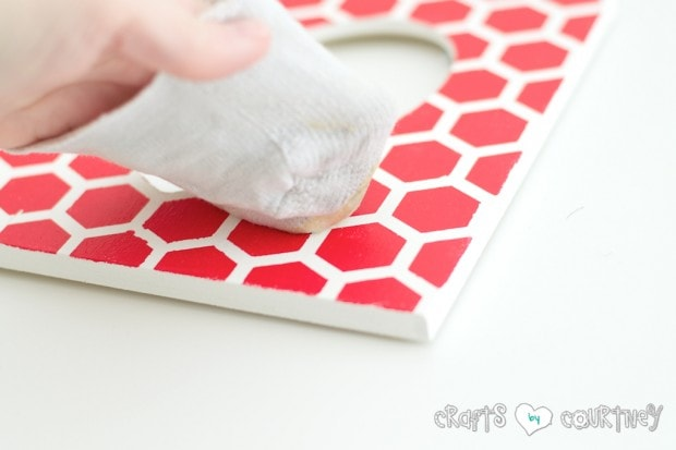 Stenciled Valentine Heart Frames: Add wax to your fames