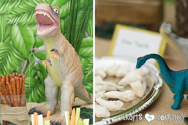 Dinosaur Birthday Party: Aww Scary Dinosaur