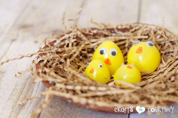 Spring Crafts: Cute Chicks Made Out of Plastic Easter Eggs