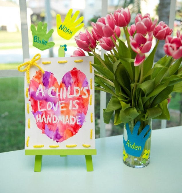 2 Handmade Mother's Day Crafts Moms Can Make With Their Kids