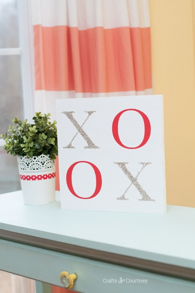 VALENTINE'S CRAFT – SIMPLE XOXO SIGN