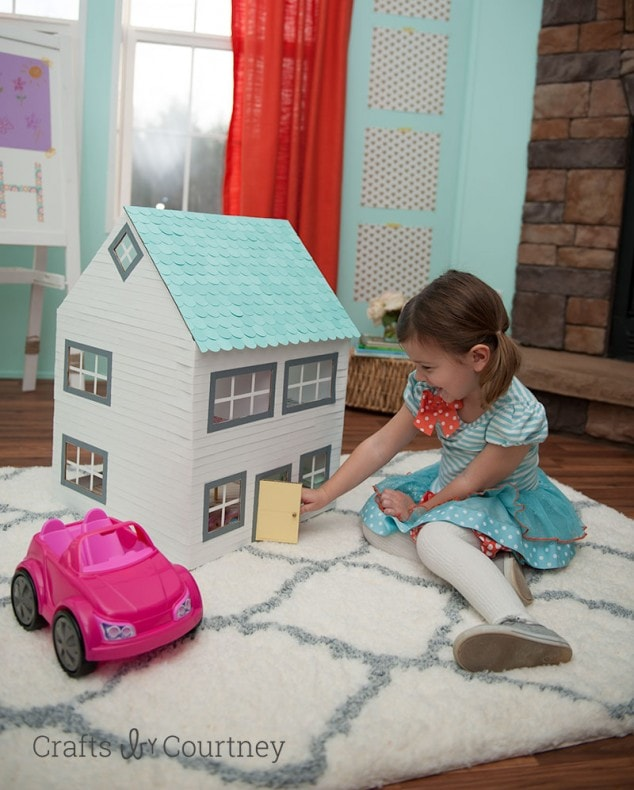 Cardboard Box Craft – DIY Dollhouse