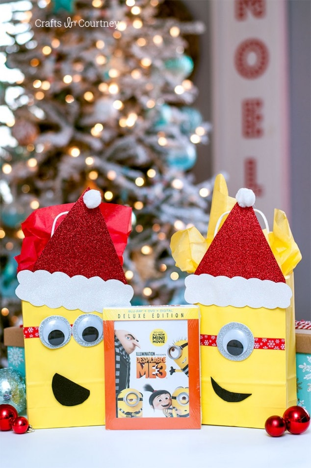 Holiday Minion DIY Gift Wrap