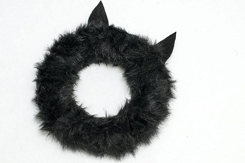 Spooky Halloween Cat Wreath for Kids