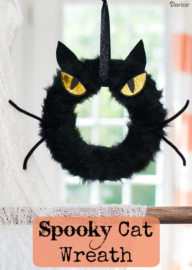 How to make a Spooky Halloween DIY Cat Wreath