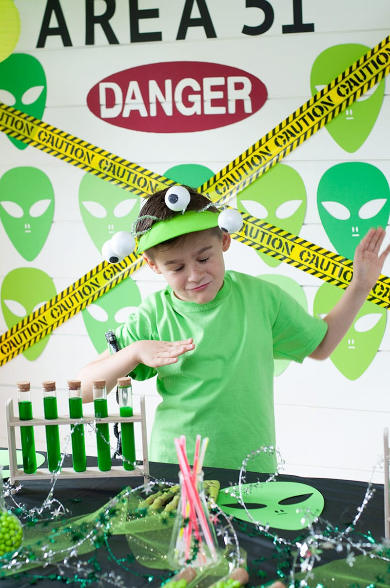 Create an Alien Party for Halloween