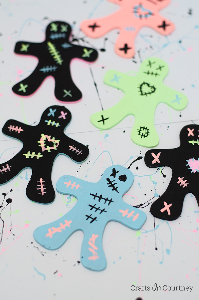 Create a Gingerbread Zombie Craft for Halloween